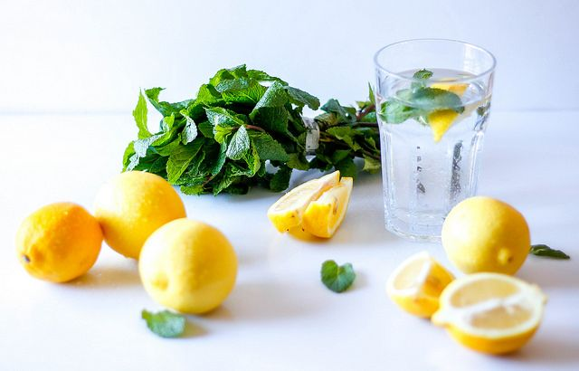 water lemon and mint